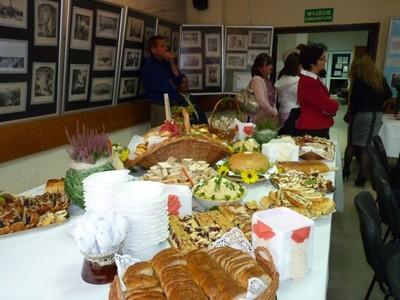 Tradycyjne jadło przygotowane przez Klub Seniora w Gościeradowie.